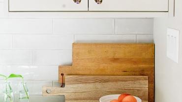 West-Des-Moines-Modern-White-Kitchen-Jillian-Lare-TN