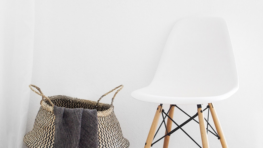 white-eames-chair